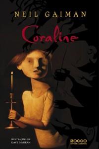 """Capa do livro """"Coraline"""" de Neil Gaiman"""