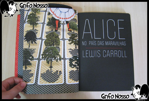 """Interior do Livro """"Alice no país das maravilhas - Edição Especial"""""""